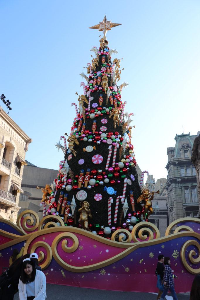 クリスマスツリー:昼間